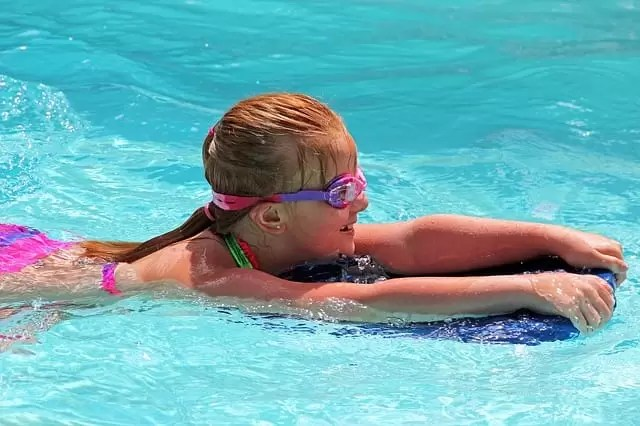 40 swimming pool games