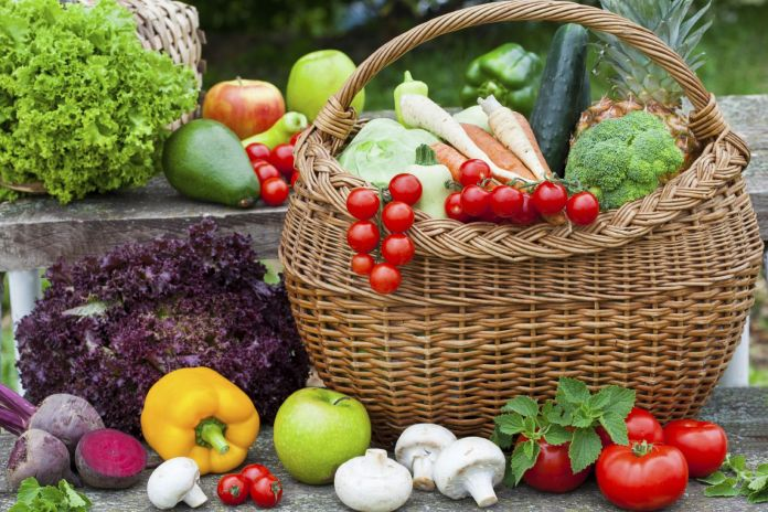 8 ways to eat more fruits and vegetables