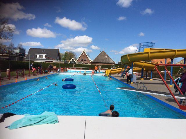 Het zwembad in Midwoud is 1 van de drukbezochte plaatsen in Midwoud