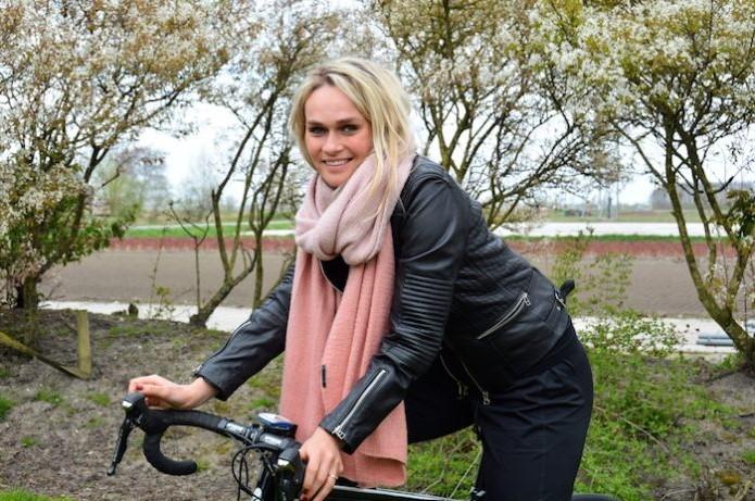 Irene Schouten is behalve deelneemster ook rondemis in Wervershoof Foto: KD/De Andijker