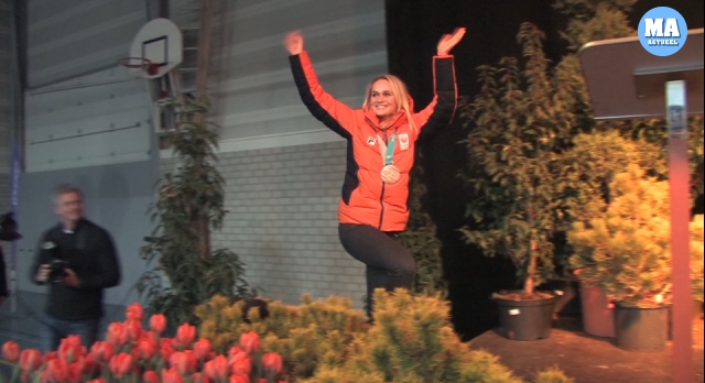 Irene Schouten tijdens de inhuldiging in Wervershoof (Foto: HBP Media)