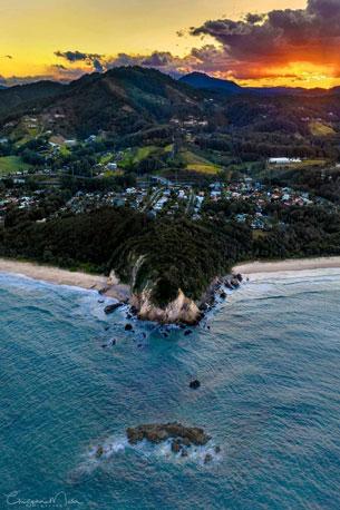 Sapphire-Beach-Headland-White-Bluff