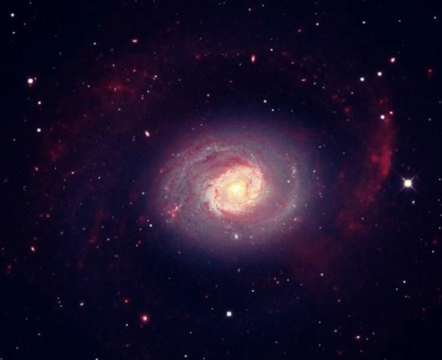 La galassia a Spirale Messier 94. Crediti: X-ray, NASA/CXC/Universita di Bologna/S.Pellegrini et al; IR, NASA/JPL-Caltech; Optical, SDSS & NASA/STScI