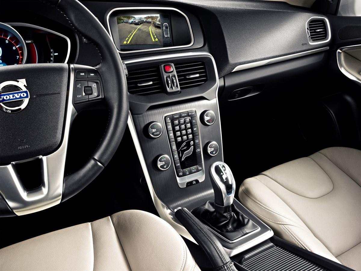 hight resolution of the all new volvo v40 volvo sensus new personalised interactive dashboard volvo car uk media newsroom