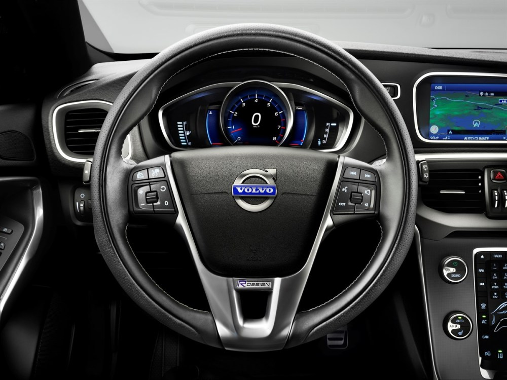 medium resolution of volvo car corporation launches v40 r design dynamic look and agile drive for individualists with a fast pace volvo car group global media newsroom