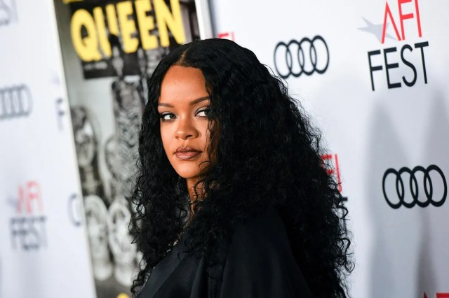 Rihanna_Queen-&-Slim-Premiere-at-the-TCL-Chinese-Theater_2019