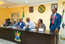 Photo of Sanwo-Olu signs deal to build 8,200 bed space hostel for LASU