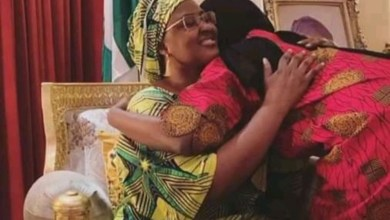 Photo of Covid-19: First Lady reunites with daughter after 14 days isolation