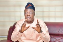 Photo of Oyo Govt. Distributes Nose-Masks To Teaching, Non-Teaching Staffs