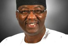 Photo of Former Ogun Governor, Daniel Dumps PDP For APC