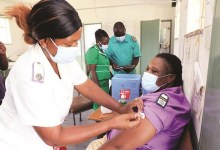 Photo of Zimbabwe: Over 35K healthcare, frontline workers vaccinated so far