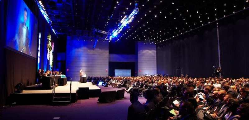 ©Cydcor Conference main stage en CC via flickr.com