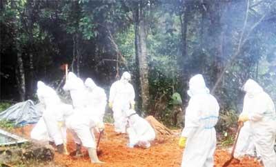 Pemakaman Jenazah Aswin Efendi Secara Prokes