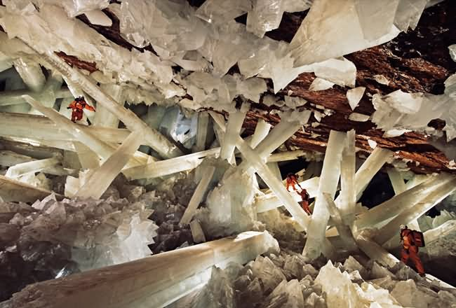 Crystal-Cave-of-Giants-Mexico.jpg