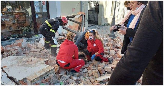 Immagine dei soccorsi nel terremoto che ha colpito la Croazia