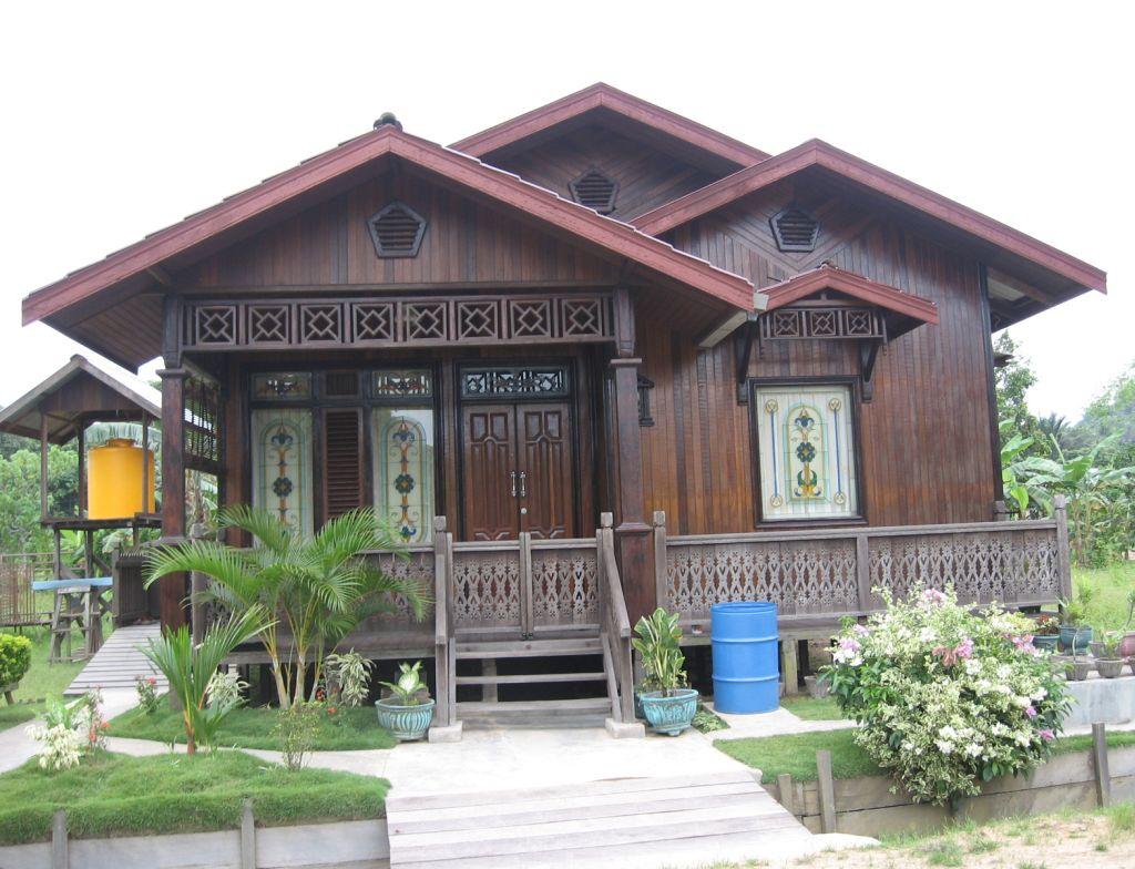 Rumah Minimalis Ungu kayu