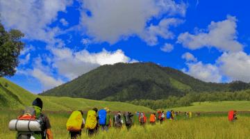 Menjelajahi Keindahan Alam Gunung Semeru