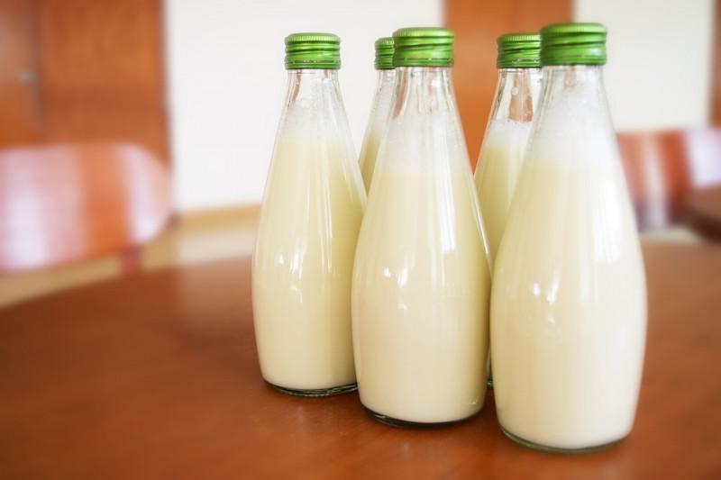 memutihkan wajah dengan susu