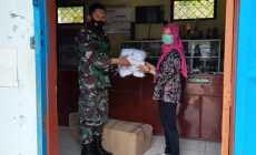 Permalink ke Babinsa Koramil 09/Kaloran Bagikan Masker Untuk Masyarakat