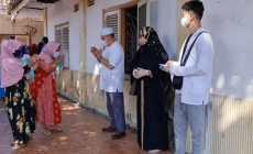 Permalink ke Dirut PT ADI Bagikan Bingkisan Ramadhan Kepada Warga Lamongan