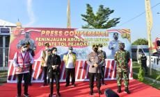 Permalink ke Bersama Panglima TNI, Kapolri Tinjau Pos Penyekatan Merak-Bakauheni