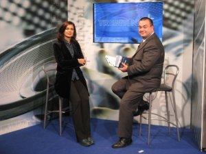 Franco Delli Guanti insieme a Laura Boldrini, Presidente della Camera dei Deputati, nel corso di un'intervista televisiva negli studi di Rttr.