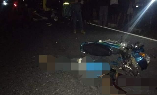 Kondisi sepeda motor korban di lokasi kecelakaan lalu lintas,
