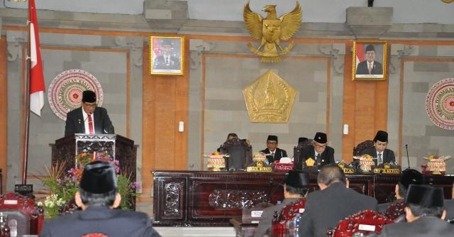Rapat Paripurna DPRD Tabanan