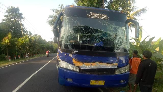 Kondisi Bus Pariwisata Sebelum di Evakuasi
