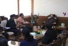 Gubernur Koster menerima audensi Dirjen Binmas Hindu Kemenag RI Prof. Drs. I Ketut Widnya berserta rombongan di Kantor Gubernur Bali, Renon, Denpasar pada Selasa (18/6/2019)