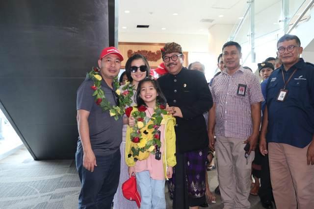 Wagub Cok Ace Sambut Penerbangan Baru Hanoi-Bali