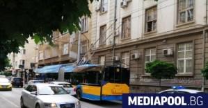 В София млад мъж беше намушкан в тролейбус след спор за носене на маска