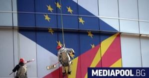 """Българският флаг бе свален отново в Северна Македония.  """"ЕС има морално задължение да приеме Скопие"""""""