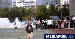 Нови ограничения за неваксинираните в Гърция