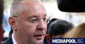 Станишев: Близки до ръководството на БСП агитират срещу Радев