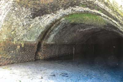 bernistap-canal-tunnel-interieur