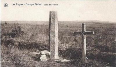 Probablement une des toutes premières cartes postales éditées sur la croix des fiancés.