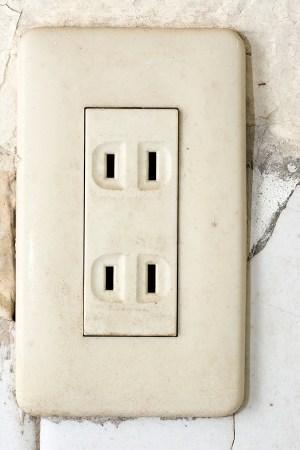 Double wall socket.