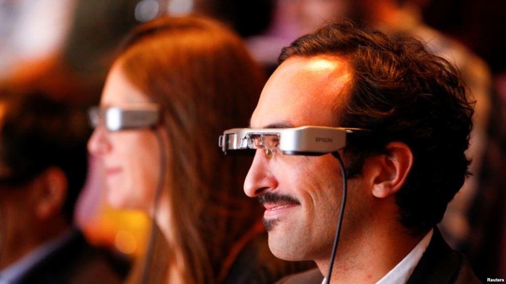 Kacamata Pintar Bantu Penyandang Tuna Rungu Nikmati Teater