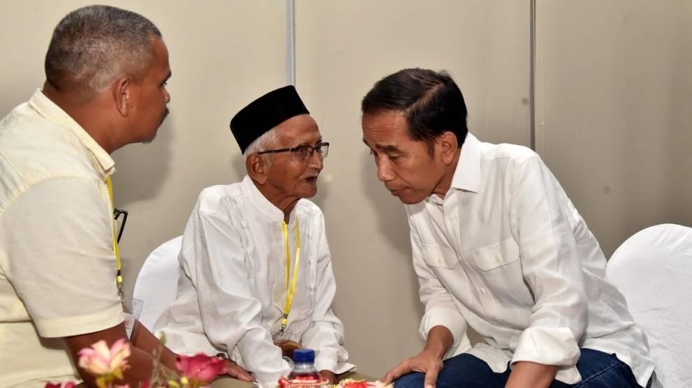 Di Aceh, Presiden Jokowi Kembali Bertemu Nyak Sandang