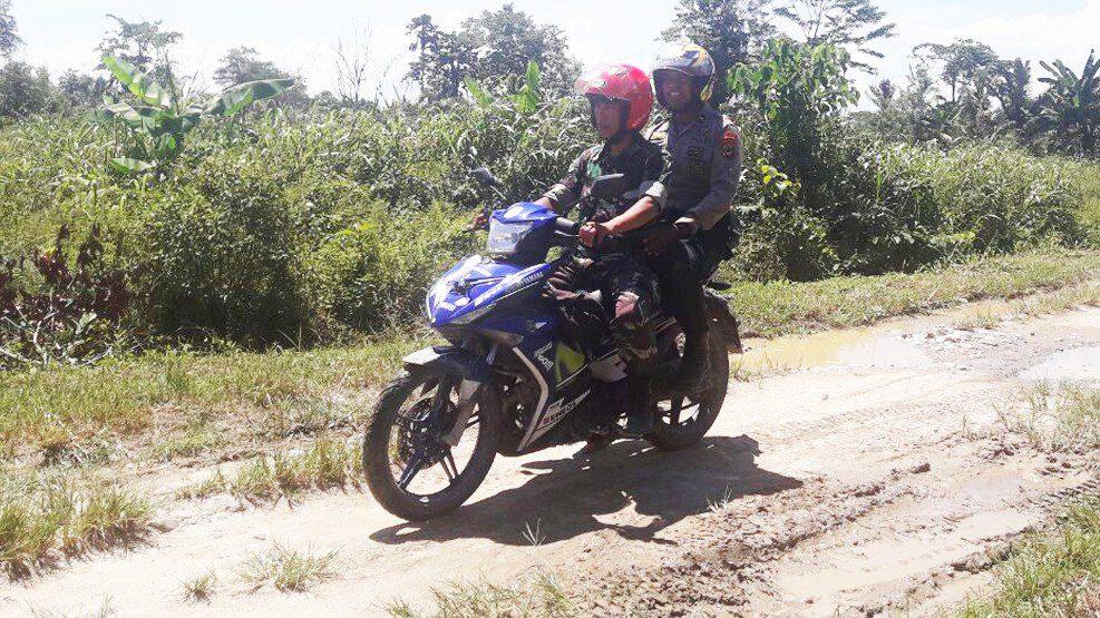 Patroli Gabungan TNI-Polri: Polsek Malangke Ciptakan Kamtibmas Tetap Kondusif