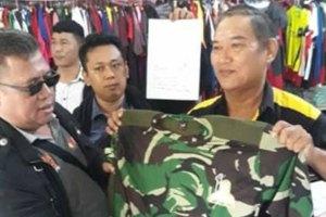 Panwascam Makassar Sita Ratusan Kaos Caleg di Percetakan
