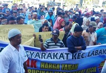 Tak Terima Ganti Rugi Lahan KA, Warga Demo di DPRD Pangkep