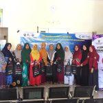 Mahasiswa PKIP FKM Unhas Latih Kader Posyandu Kelurahan Kodingareng
