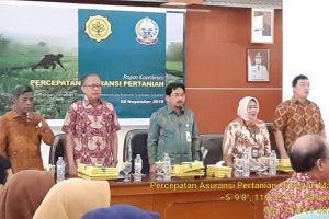 Para Petani didorong Ikut Program Asuransi Petani