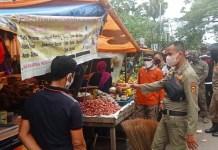 Ratusan Lapak di Pasar Terong Dibongkar Petugas