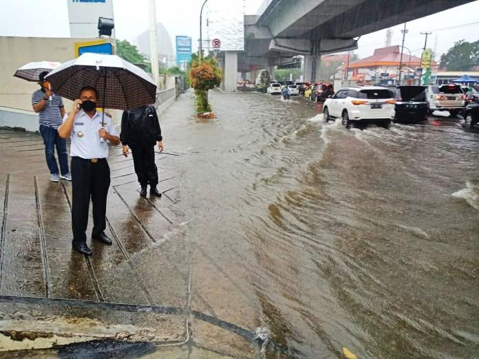 Curah Hujan Tinggi, Danny Pomanto Imbau SKPD Siap Siaga Banjir