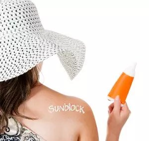 sunblock based on nanoparticles