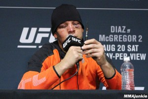 29906170001_5092175568001_nate-diaz-vape-pen-post-ufc-202