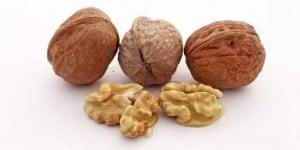 3 noix et des cernaux